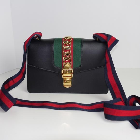 37c18b6cbb1 Gucci Handbags - Gucci Small Sylvie Shoulder Bag - Authentic